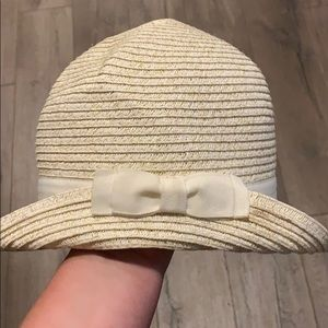 Girls off white and gold hat EUC